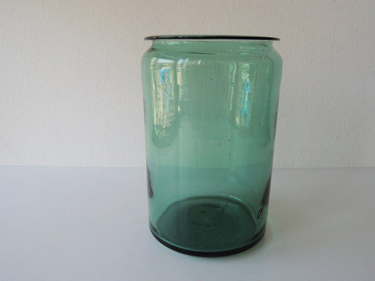 Antique-Glass-Pot-1