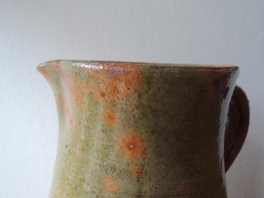 緑釉ピッチャー-2