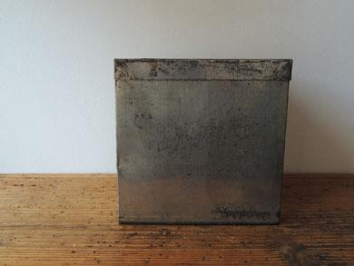 ブリキ角箱-1