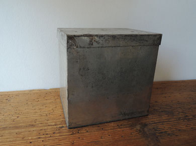 ブリキ角箱-2