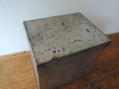 ブリキ角箱-3
