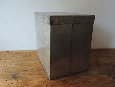 ブリキ角箱-4