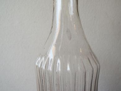 ガラス徳利と線茶碗-9