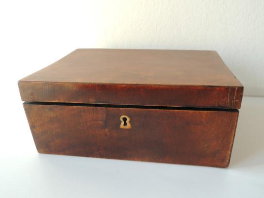 四角い木箱-2