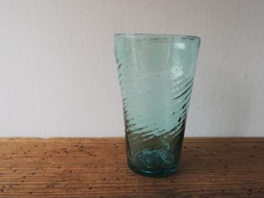 吹きガラスのタンブラー