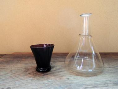 ガラスの徳利と杯
