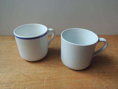 淡白な珈琲カップ