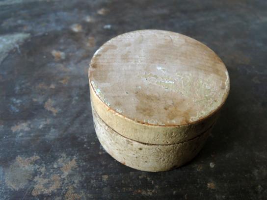 小さな木箱白-4