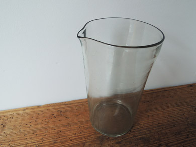 片口ガラス瓶