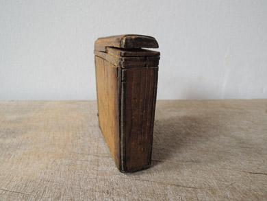 木の小箱-3