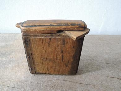 木の小箱-4