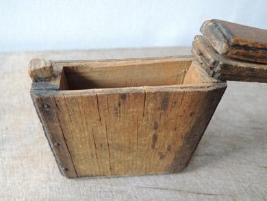 木の小箱-9